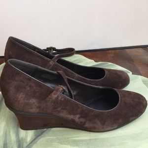 CHAPS BROWN LEATHER SUEDE WEDGES SIZE 10B